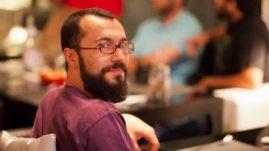 """Augusto Valeriani - Dipartimento Scienze Politiche e Sociali.  Augusto Valeriani si è laureato in Scienze della Comunicazione presso l'Università di Bologna nel 2004 e ha conseguito il dottorato di ricerca in """"Comunicazione, mass media e sfera pubblica"""" presso l'Università di Siena nel 2008. Dal 2016) presso il Dipartimento di Scienze Politiche e Sociali dell'Università di Bologna dove si occupa di comunicazione politica, media digitali e giornalismo. Presso lo stesso dipartimento è membro del collegio docenti del dottorato in """"Scienze Politiche e Sociali"""".  Ha svolto periodi di ricerca presso laUniversity of Westminsterdi Londra (2005-2006) el'Annenberg School for Communicationdi Philadelphia (2009-2010). Dal 2007 è affiliato all'Arab Media Centredell'University of Westminster e dal 2010 alCenter for Global Communication Studies (Annenberg-Upenn). Negli Anni Accademici 2011-2012 e 2012-2013 ha insegnato presso il Bing Center-Florence dellaStanford Universitydove, dall'anno accademico 2015-2016, è stato nominatoVisiting Assistant Professor.  Inoltre fa a parte del comitato editoriale delle riviste scientificheComunicazione PoliticaeProblemi dell'informazione.  Ha pubblicato tre monografie e diversi capitoli in libri collettanei in italiano e in inglese sulle tematiche del giornalismo, della comunicazione politica e della comunicazione internazionale con particolare attenzione ai media digitali."""