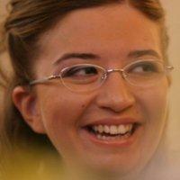 Mara Cinquepalmi - Giornalista esperta di Data Journalism. Mara Cinquepalmi si occupa di data journalism e comunicazione di genere. Da aprile 2013 è coordinatrice di GiULiA Emilia Romagna, rete delle Giornaliste Unite Libere Autonome. A maggio 2013 è stata eletta nel Consiglio regionale dell'Ordine dei Giornalisti dell'Emilia Romagna. Ha lavorato nella comunicazione pubblica dal 2001 al giugno 2014.